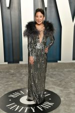 Sandra Oh  In Cong Tri @  2020 Vanity Fair Oscar Party