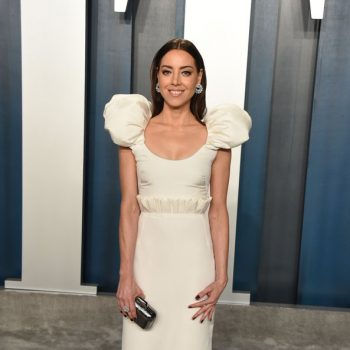 aubrey-plaza-in-hellessy-2020-vanity-fair-oscar-party