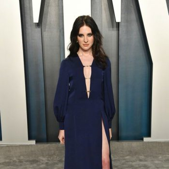 hari-nef-in-gucci-2020-vanity-fair-oscar-party