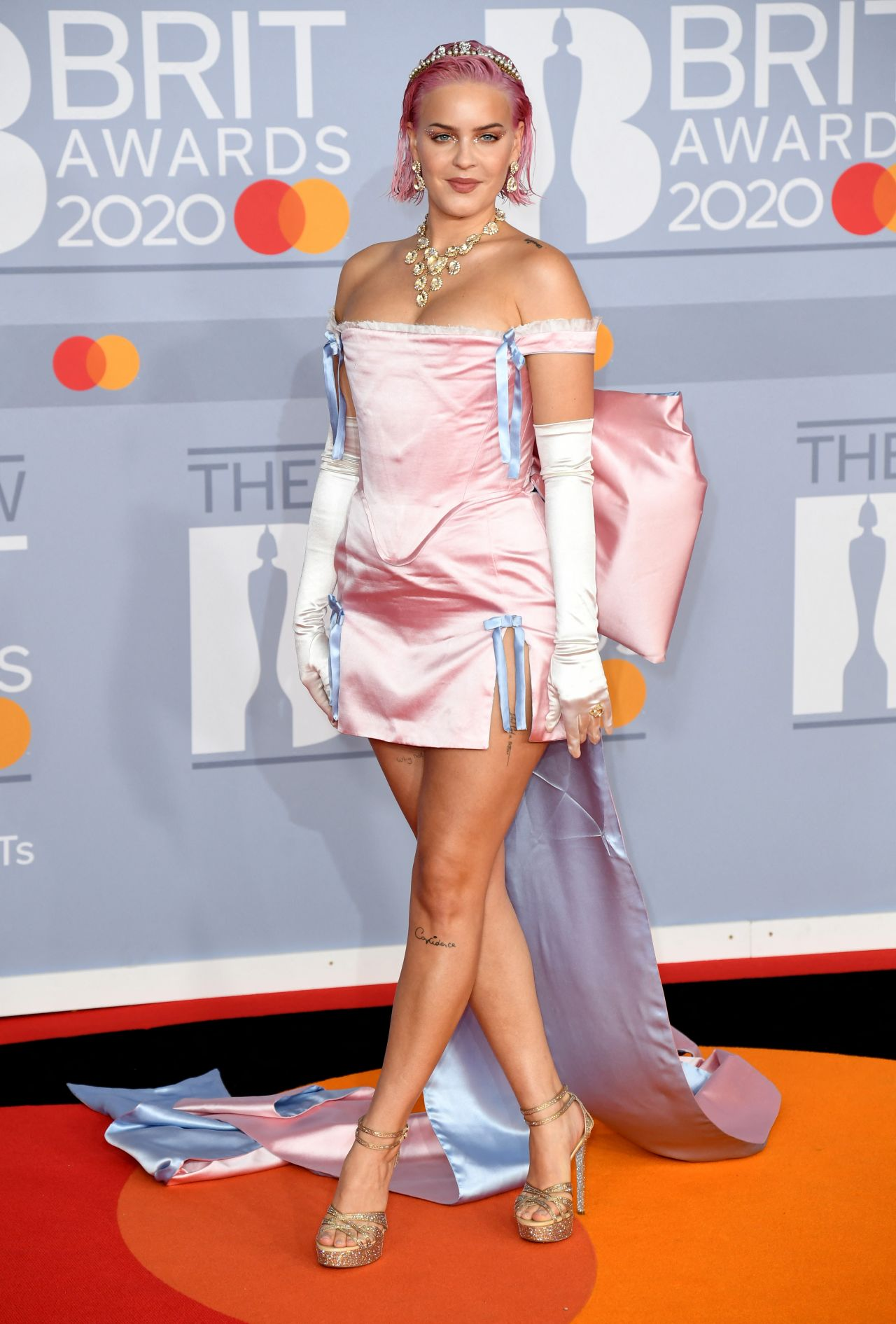 anne-marie-in-pink-bow-gown-2020-brit-awards