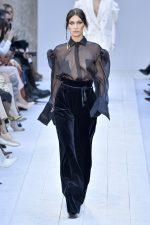 Bella Hadid  Rocks Runway @  Max Mara   AW 20  Milan  Fashion Week