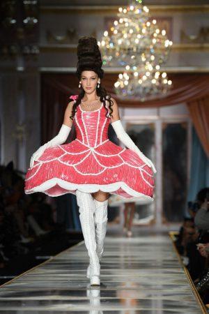 bella-hadid-rock-runway-moschino-fall-winter-2020-2021-show-in-milan