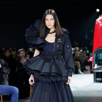 bella-hadid-rocks-runway-off-white-fall-winter-2020-2021-show-in-paris