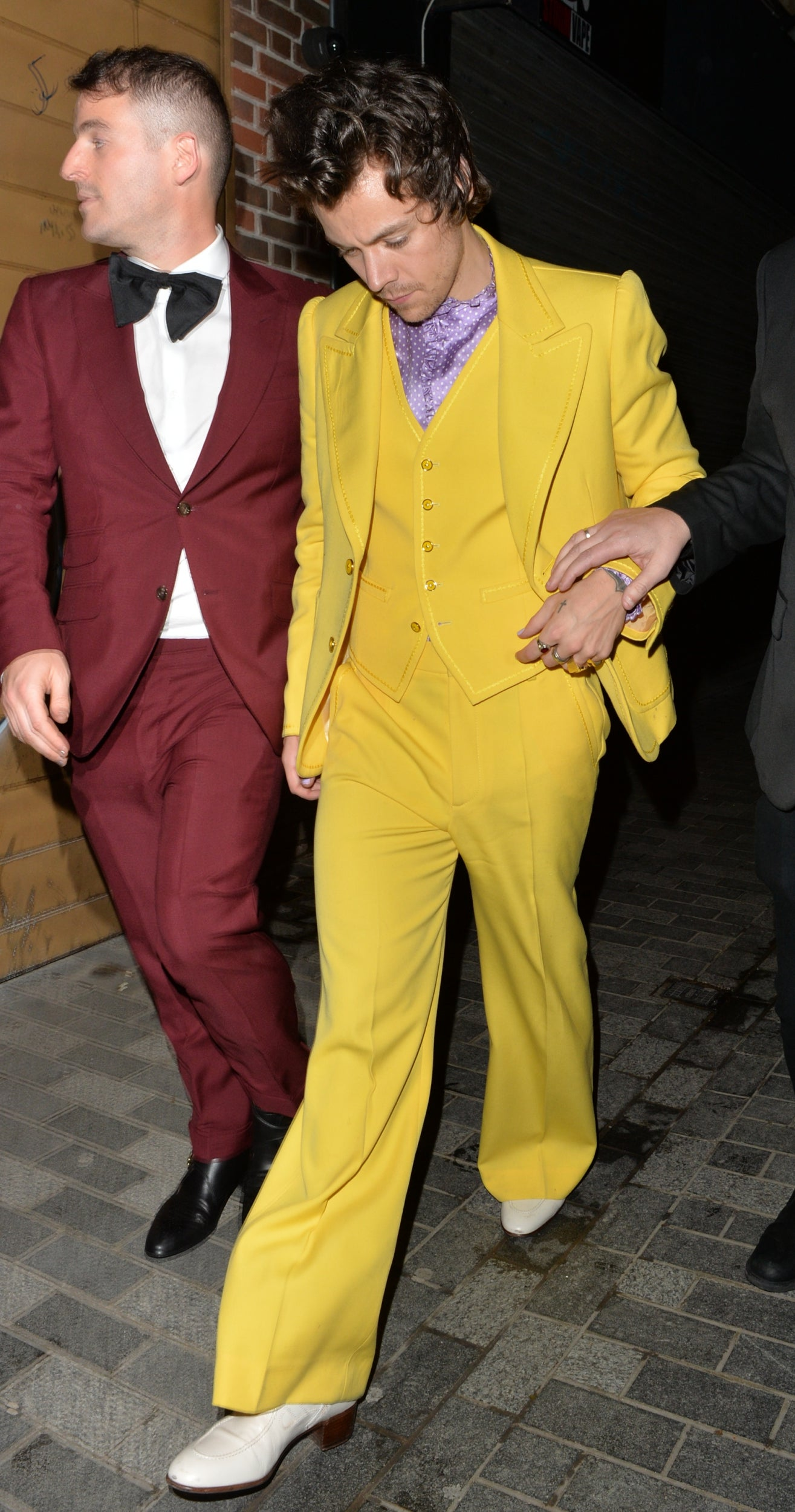 harry-styles-in-marc-jacobs-brit-awards-2020