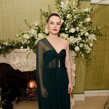 daisy-ridley-in-oscar-de-la-renta-vogue-uk-and-tiffany-co-fashion-and-film-party