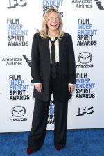 Elisabeth Moss  In Co @  2020 Film Independent Spirit Awards