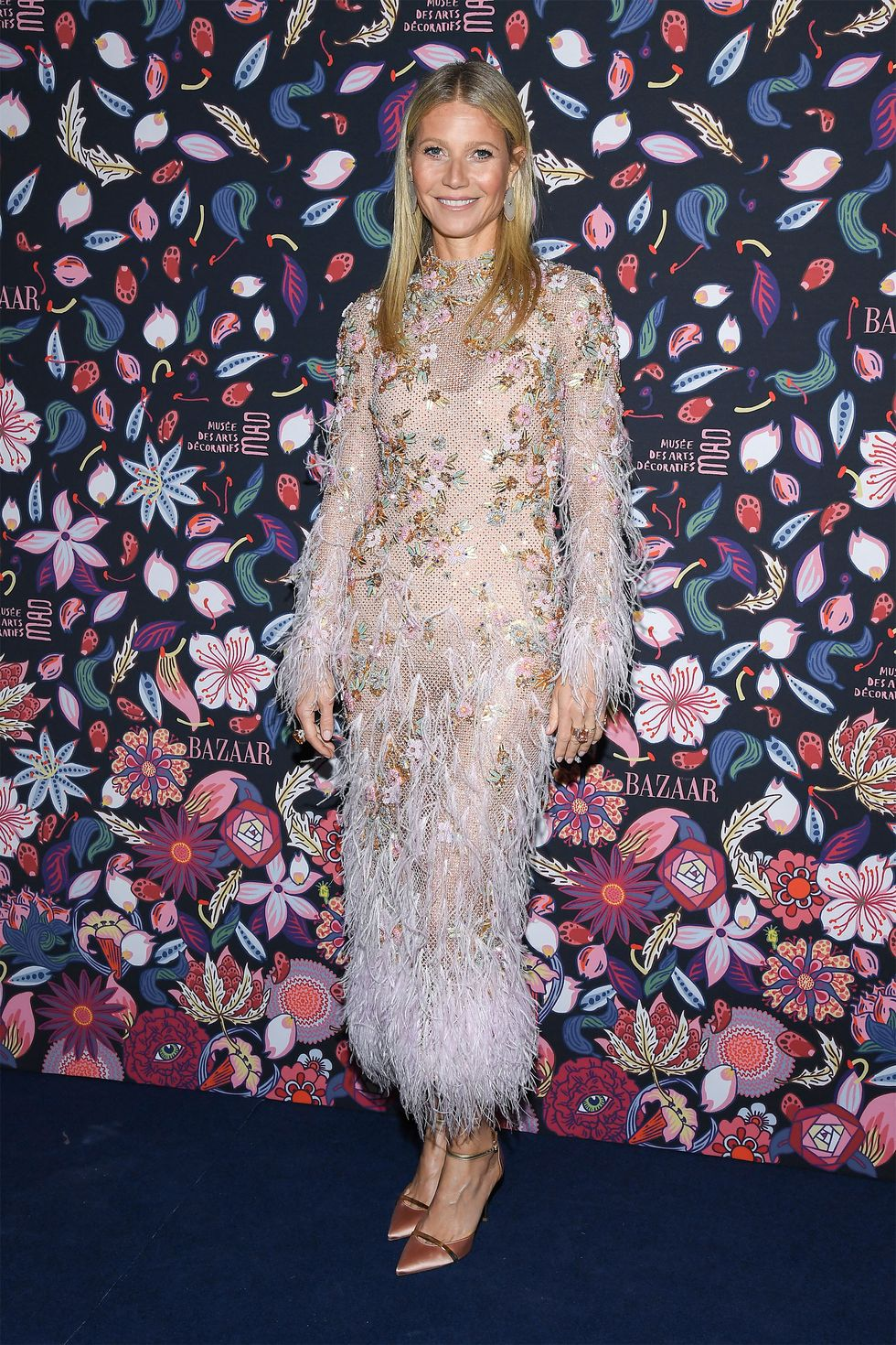 gwyneth-paltrow-in-ralph-russo-couture-the-harpers-bazaar-exhibition