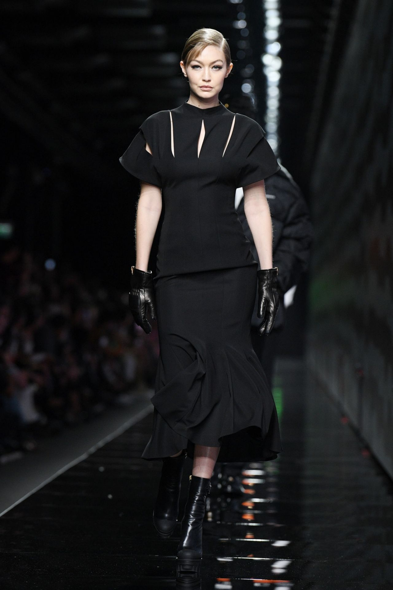 gigi-hadid-rocks-runway-versace-fall-winter-2020-2021-show-in-milan