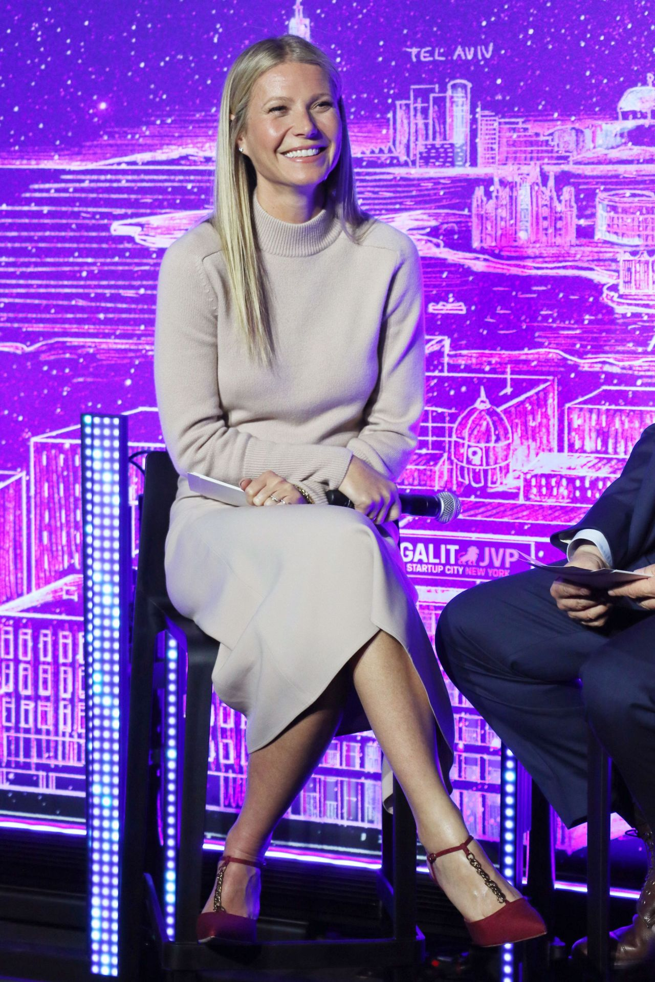 gwyneth-paltrow-host-panel-discussion-with-dr-erel-margalit-in-ny