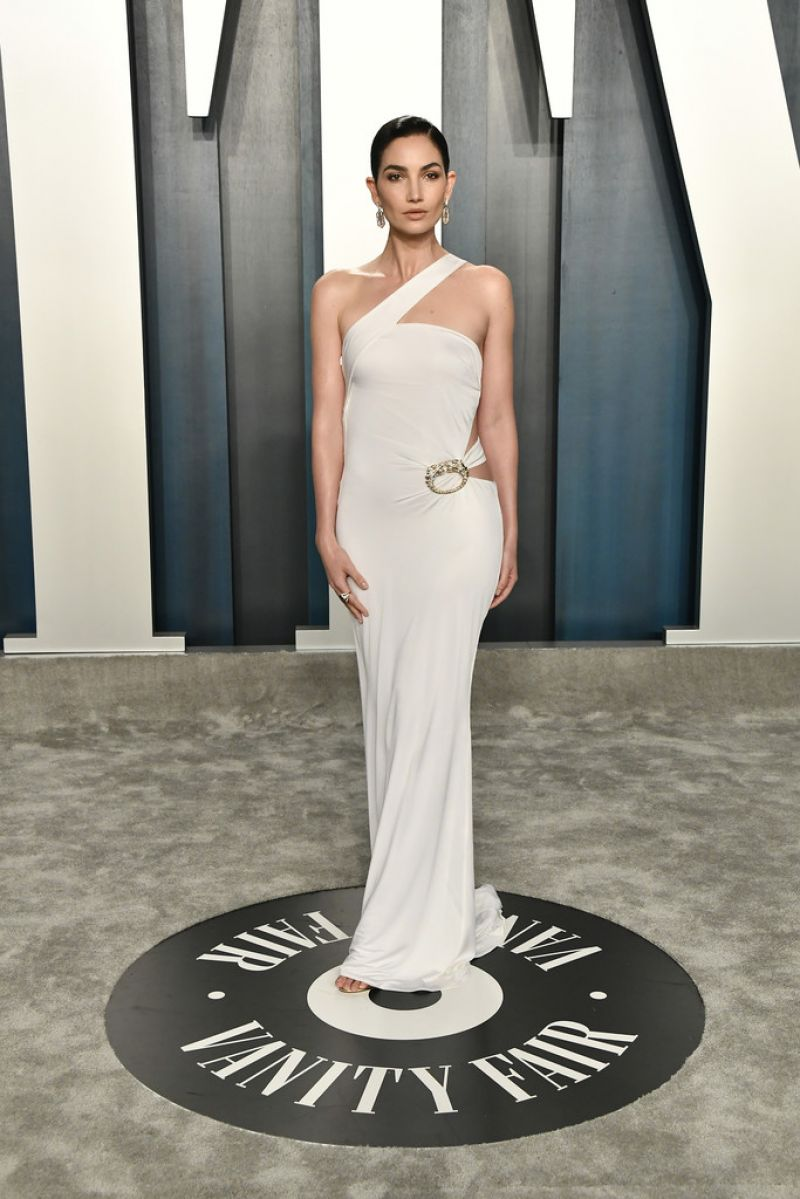 lily-aldridge-in-gucci-2020-vanity-fair-oscar-party