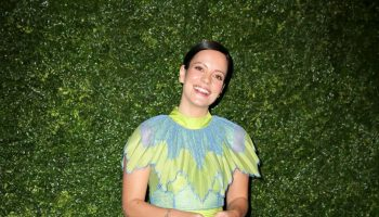 lily-allen-in-bora-aksu-2020-charles-finch-and-chanel-pre-bafta-party