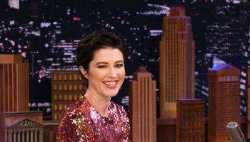 mary-elizabeth-winstead-in-preen-the-tonight-show-starring-jimmy-fallon