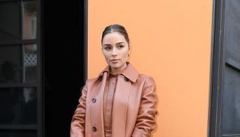 olivia-culpo-front-row-tods-fall-winter-2020-2021-show-in-milan