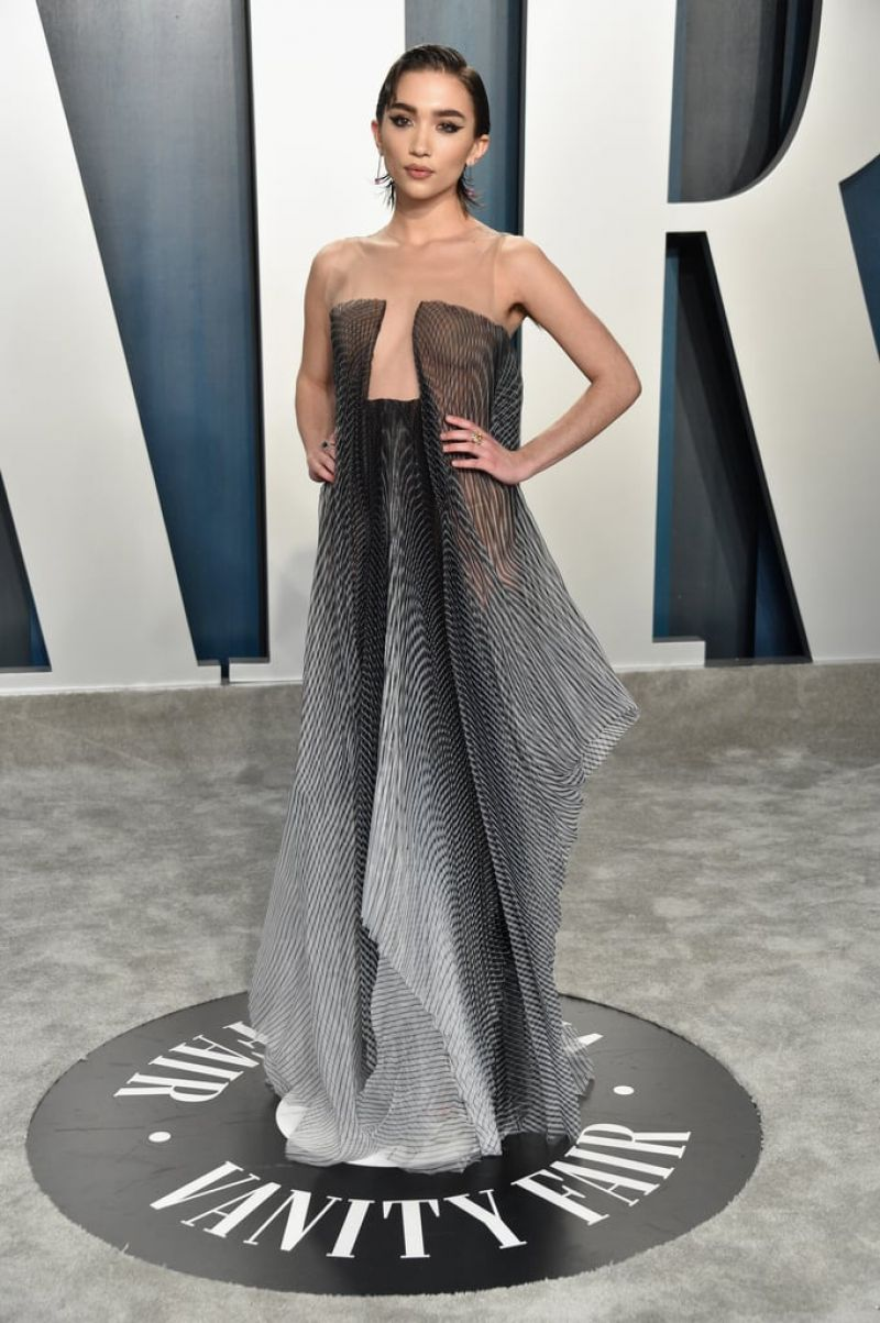 rowan-blanchard-in-iris-van-herpen-2020-vanity-fair-oscar-party