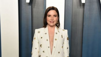 sophia-bush-in-schiaparelli-2020-vanity-fair-oscar-party