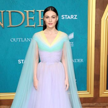 sophie-skelton-in-georges-hobeika-couture-outlander-season-5-premiere