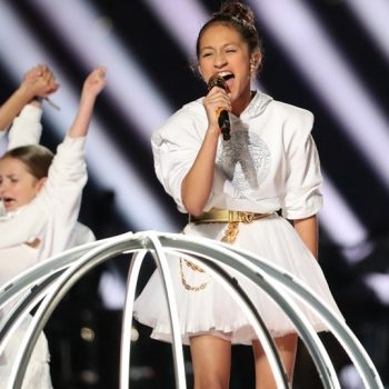 jennifer-lopez-her-daughter-emme-maribel-muniz-perform-super-bowl-halftime-show