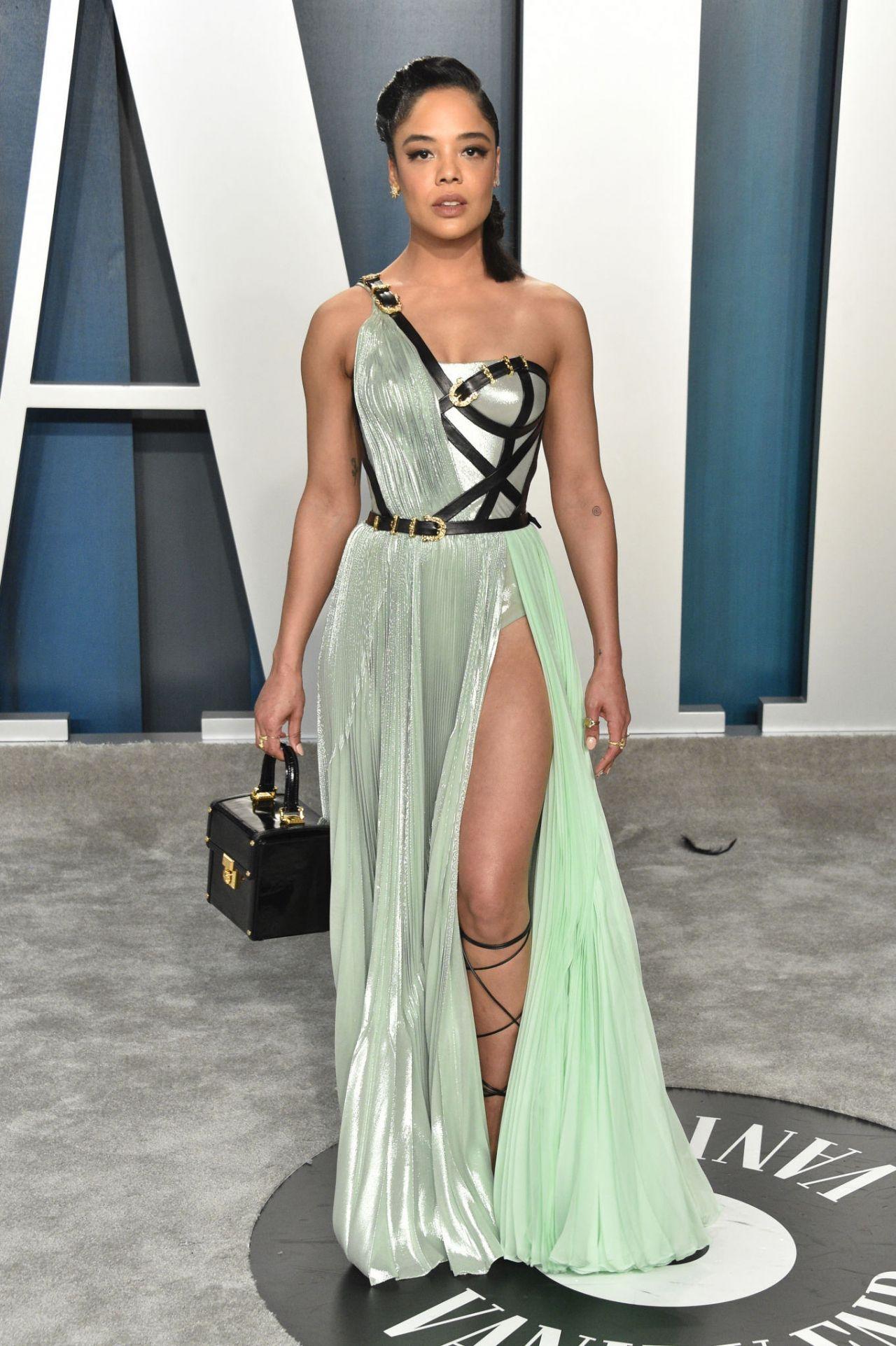 tessa-thompson-in-atelier-versace-2020-vanity-fair-oscar-party