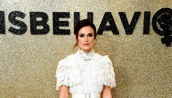 keira-knightley-in-chanel-haute-couture-misbehaviour-world-premiere