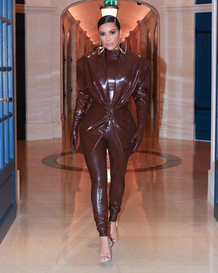 kim-kardashian-wears-balmain-latex-outfit-out-in-paris