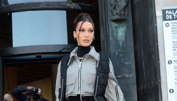 bella-hadid-arriving-palais-de-tokyo-for-mens-fashion-week-2020-in-paris