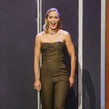 emily-blunt-in-christian-dior-jimmy-kimmel-live-2