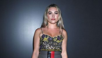 florence-pugh-front-row-louis-vuitton-fall-2020