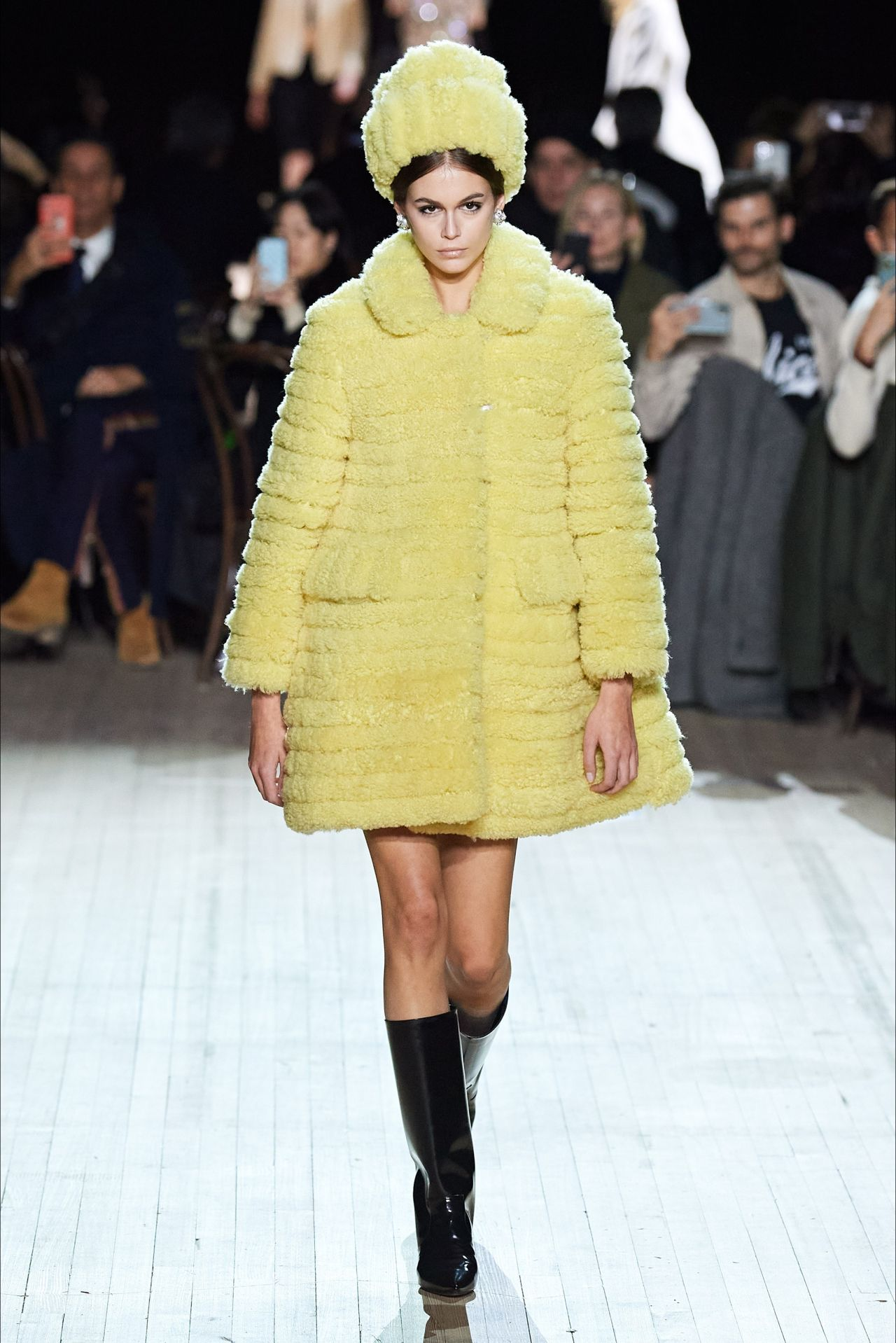 kaia-gerber-rocks-runway-marc-jacobs-fall-2020-nyfw-show