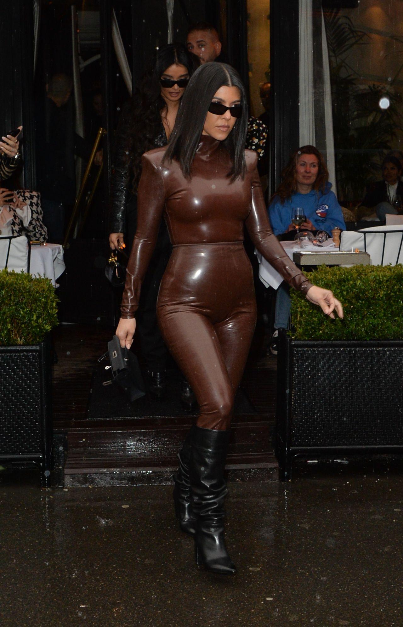 kourtney-kardashian-in-balmain-fw20-latex-outfit-out-in-paris