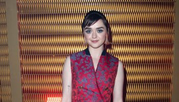 maisie-williams-front-row-givenchy-show-at-paris-fashion-week