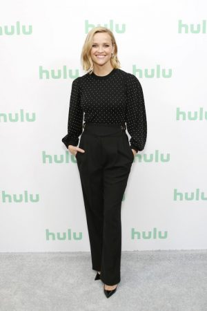 reese-witherspoon-in-michael-kors-hulu-panel-at-winter-tca-2020-in-pasadena