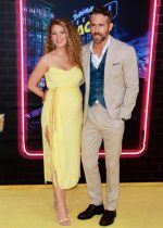 Blake Lively &  Ryan Reynolds Donated 1 Million Dollars  To Food Banks During  Coronavirus Outbreak