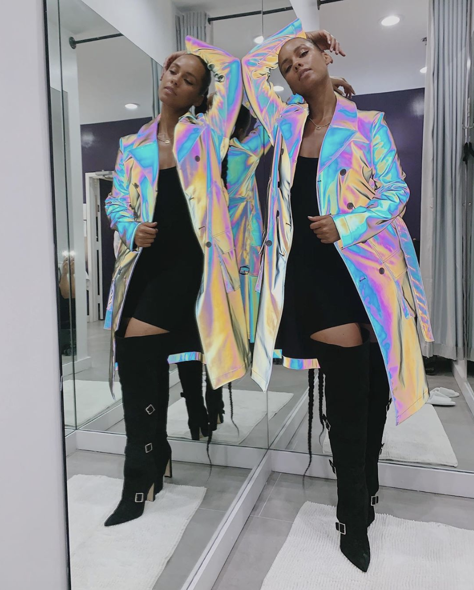 alicia-keys-in-holographic-trench-coat-social-distancing-in-her-living-room