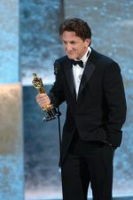 Sean Penn Helping Bring Free COVID-19 Testing To CA