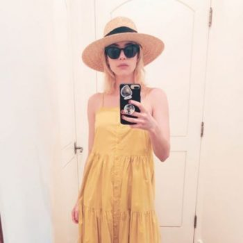 emma-roberts-in-sea-new-york-instagram-pic