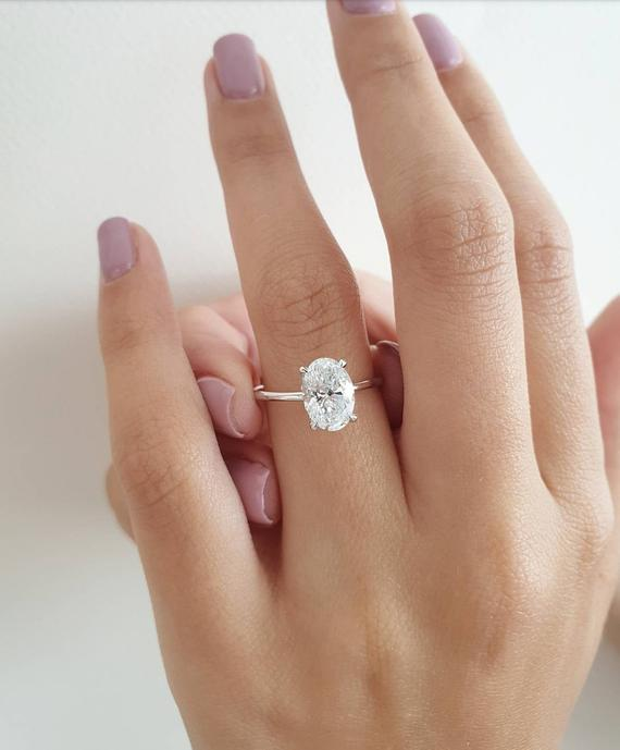 your-go-to-guide-for-solitaire-rings
