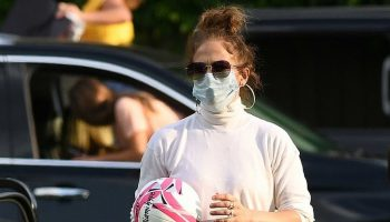 jennifer-lopez-celebrates-alex-rodriguezs-daughters-12th-birthday-party-in-miami