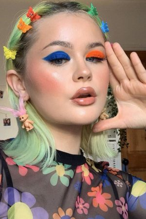 makeup-trend-mismatched-eyes