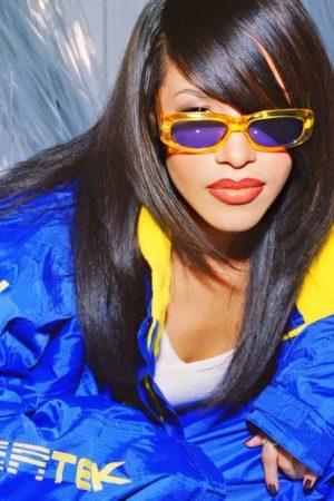 throwback-aaliyah-rocking-shades