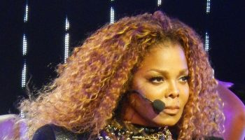 janet-jackson-post-seductive-pic-on-instagram-as-she-celebrates-her-54