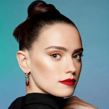 daisy-ridley-rupauls-drag-race-guest-judge-portrait-2020
