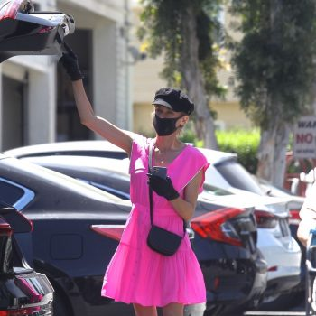 diane-kruger-wears-pink-dress-grocery-shopping-in-beverly-hills-05-06-2020