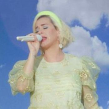 katy-perry-performs-wearing-simone-rocha-on-good-morning-america
