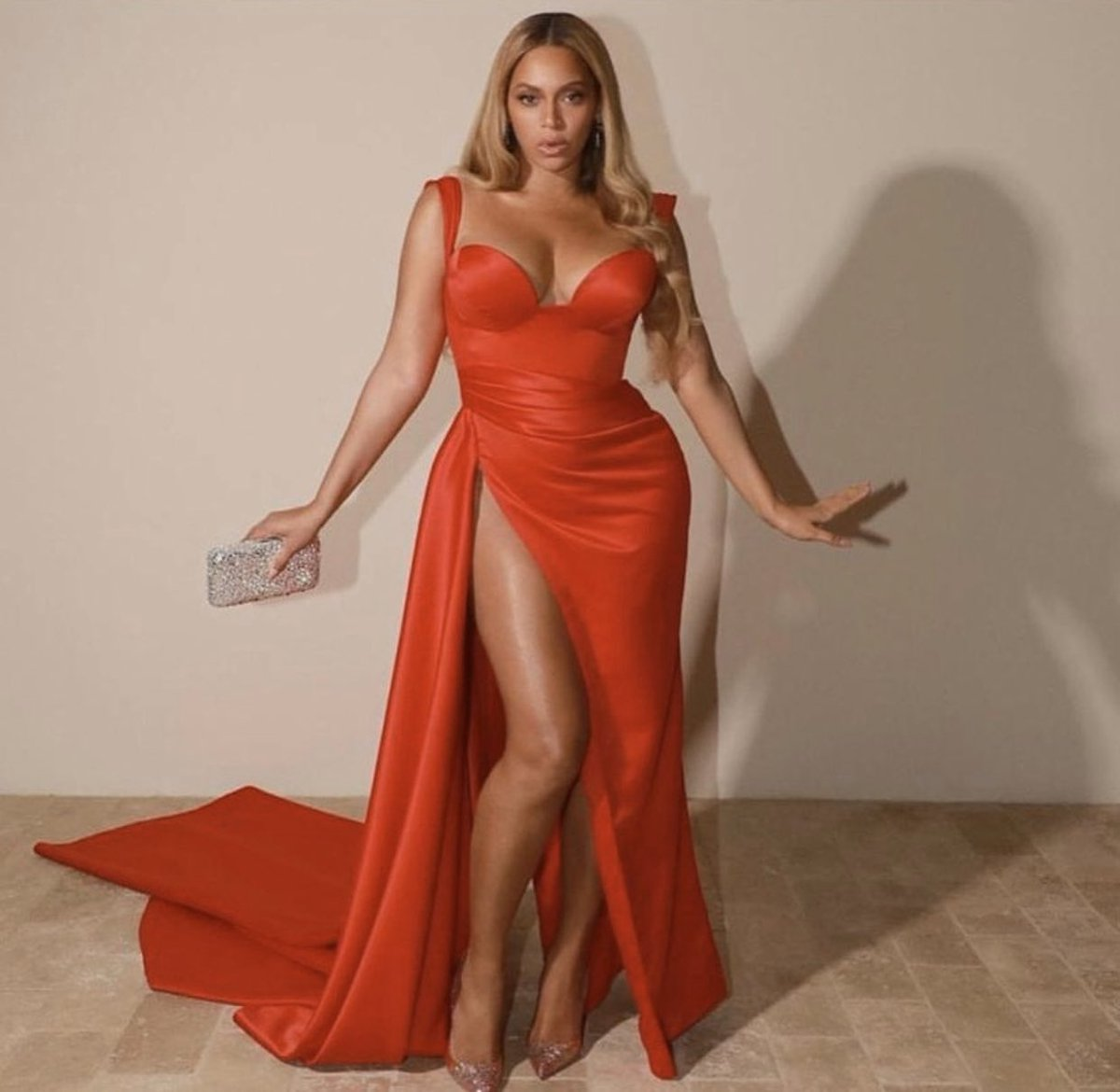 michelle-obama-presents-beyonce-with-humanitarian-award-2020-bet-awards
