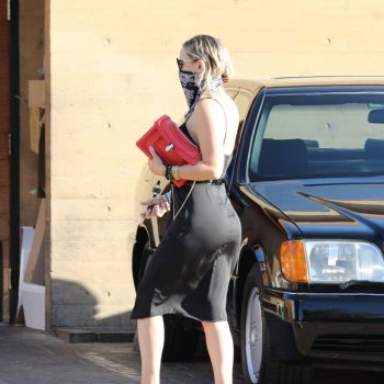 kate-hudson-arriving-nobu-in-malibu-06-10-2020