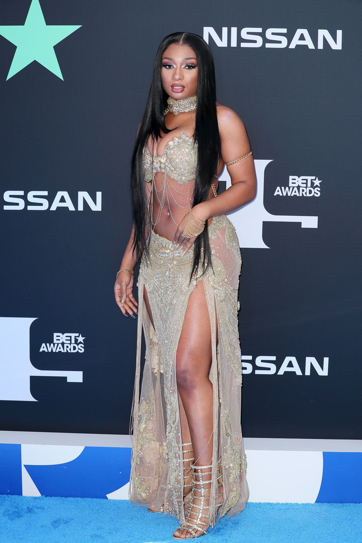 megan-thee-stallion-post-first-photo-since-shooting-incident