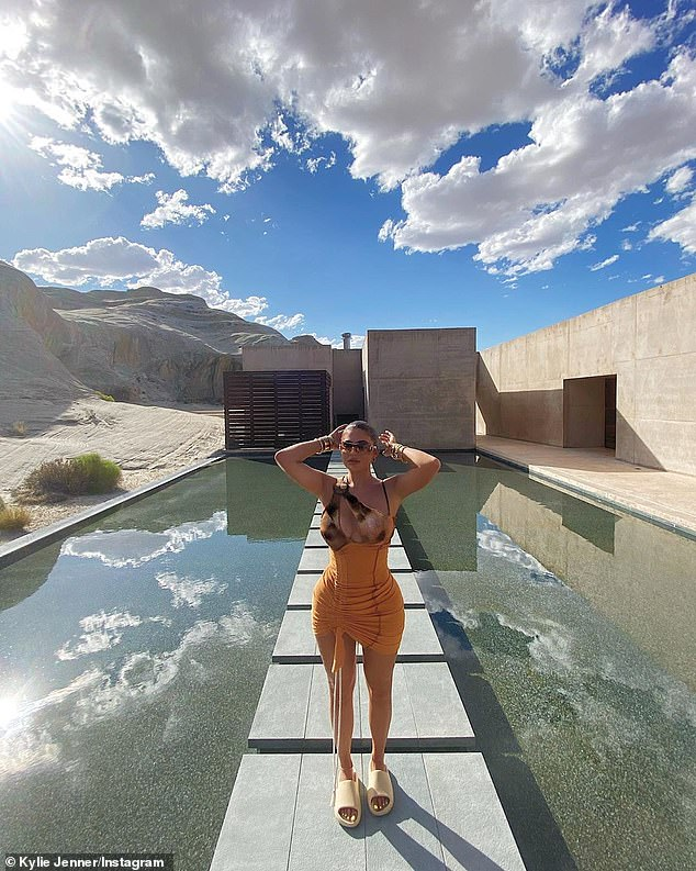 kylie-jenner-rocks-loudbrand-studios-desert-photo-shoot