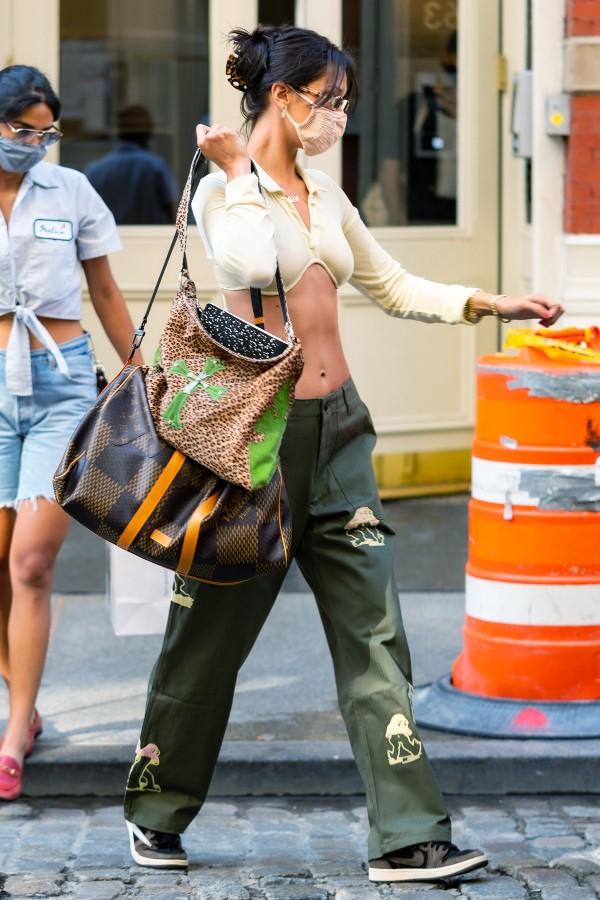 bella-hadid-streetstyle-in-new-york-city-july-24-2020