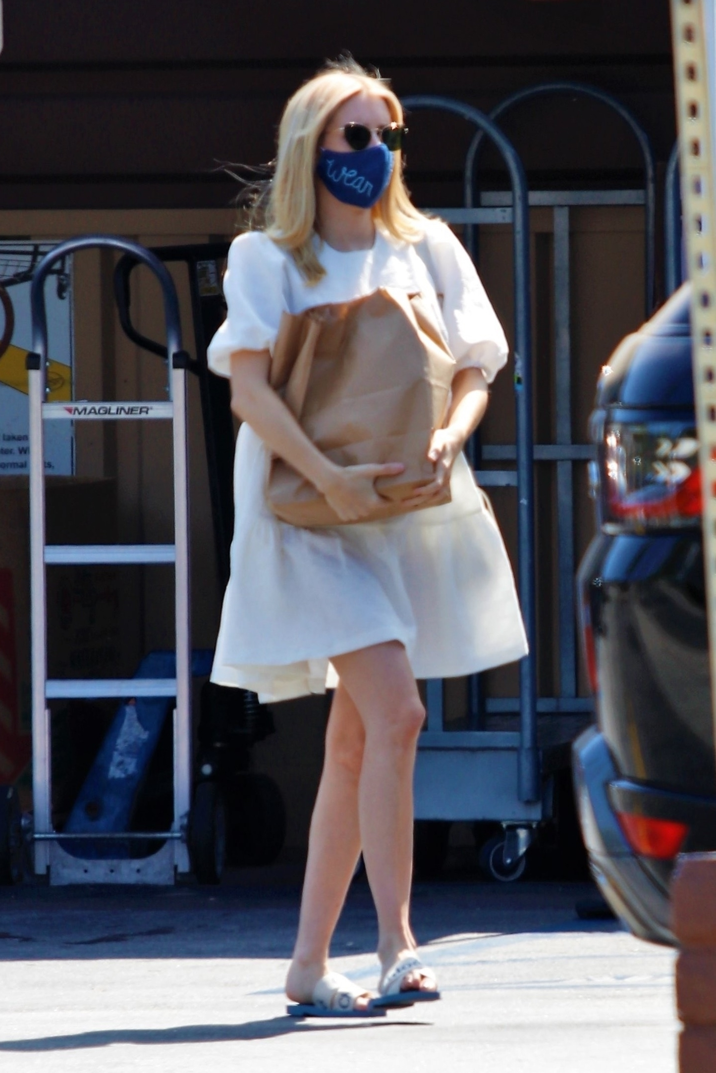 emma-roberts-spotted-out-in-los-angeles-july-25-2020
