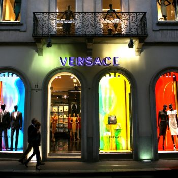 shop-like-a-celebrity-when-you-explore-the-worlds-most-renowned-fashion-streets